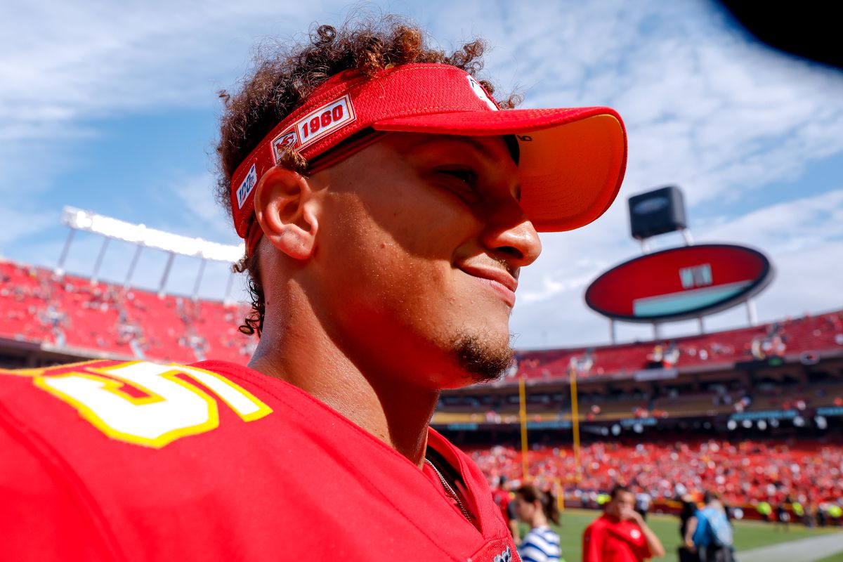 Chiefs' Patrick Mahomes is AFC September offensive player of the month