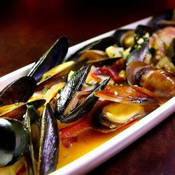 Mussels in white wine sauce at The Charleston by @LA_Chefs