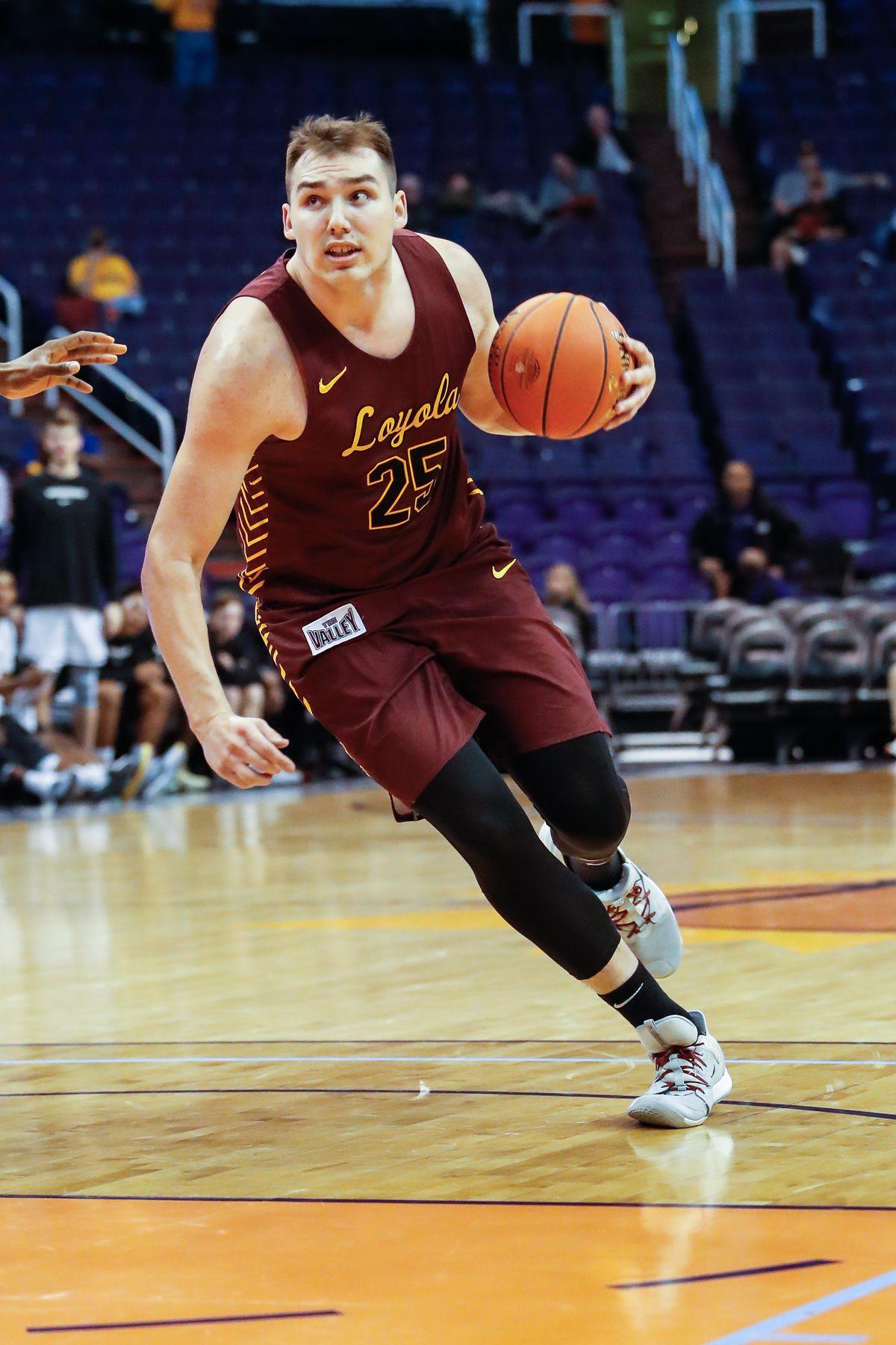 COLLEGE BASKETBALL: DEC 18 Basketball Hall of Fame Showcase - Vanderbilt v Loyola Chicago