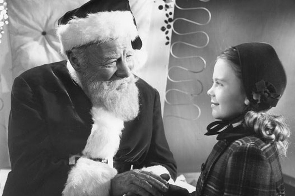 Miracle on 34th Street' movie review: 2020 lessons from a 1947 film -  Deseret News
