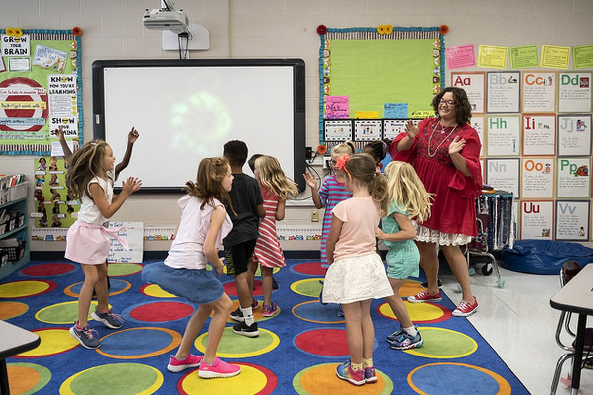 Melissa Miller leads her students in a learning game at Franklin Elementary School in Franklin Special School District in Williamson County. Miller is Tennessee's 2018-19 Teacher of the Year.