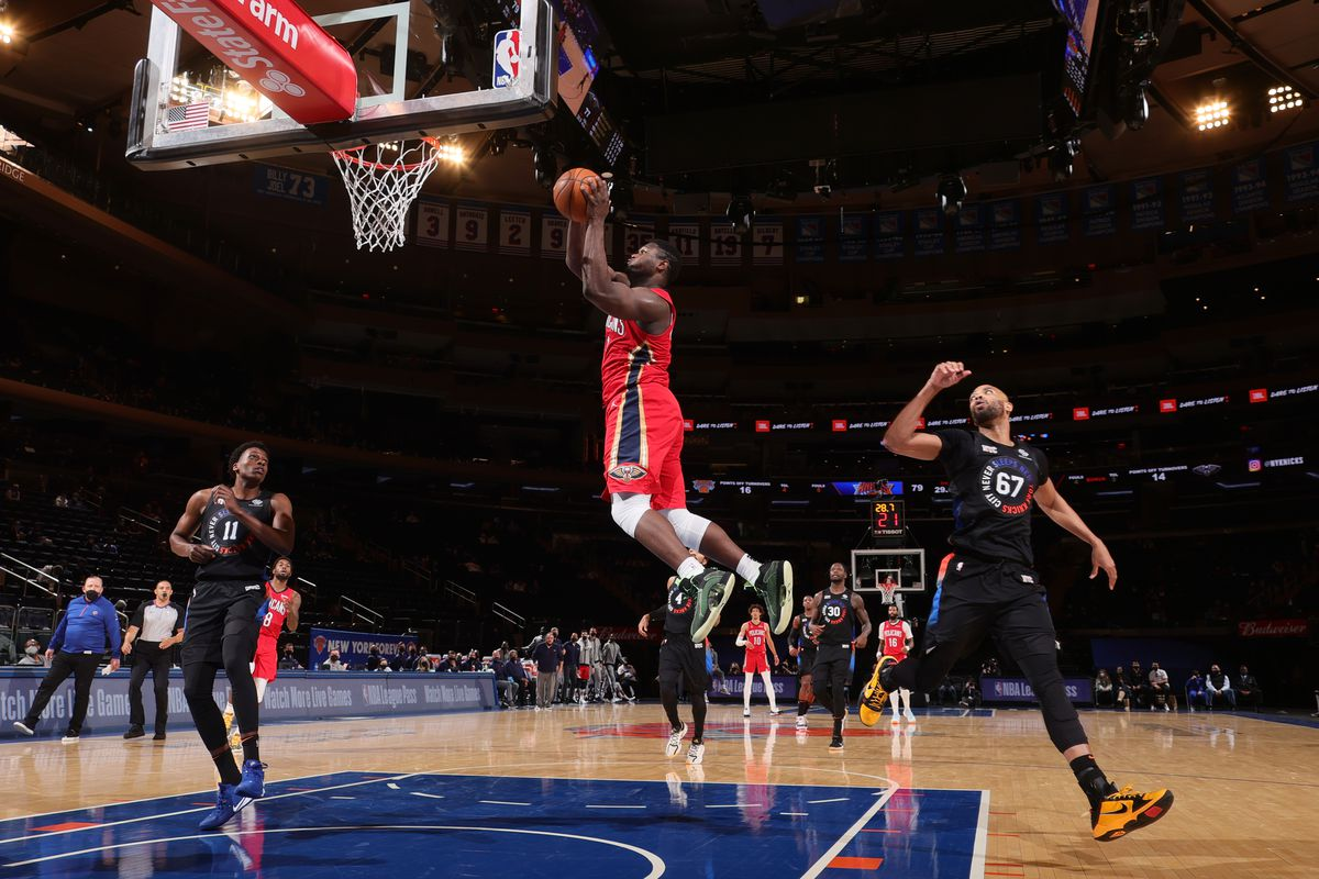 Zion Williamson of the New Orleans Pelicans shoots the ball during the game against the New York Knicks on April 18, 2021 at Madison Square Garden in New York City, New York.