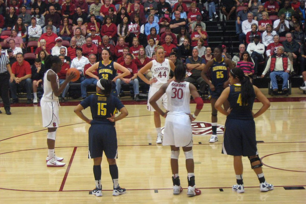 California Golden Bears point guard Brittany Boyd (#15) stood calmly among one of the greatest sibling duos college basketball has ever seen and nearly stole the show on their home floor.