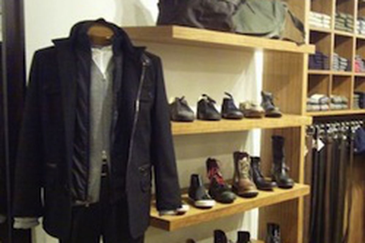 "Photo: <a href=""http://www.google.com.ar/imgres?imgurl=http://cbschicago.files.wordpress.com/2010/10/haberdash.jpg%3Fw%3D420&amp;imgrefurl=http://chicago.cbslocal.com/top-lists/best-men%25E2%2580%2599s-wear-clothing-stores-in-chicago/&amp;usg=__bw5a"