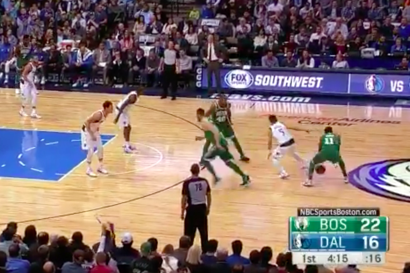 Kyrie Irving invented a new dribble move against the Mavericks