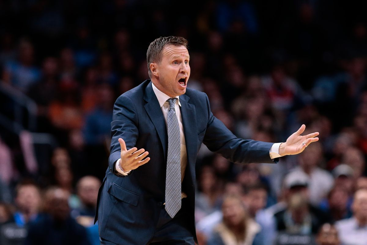 Scott Brooks reacts to a play