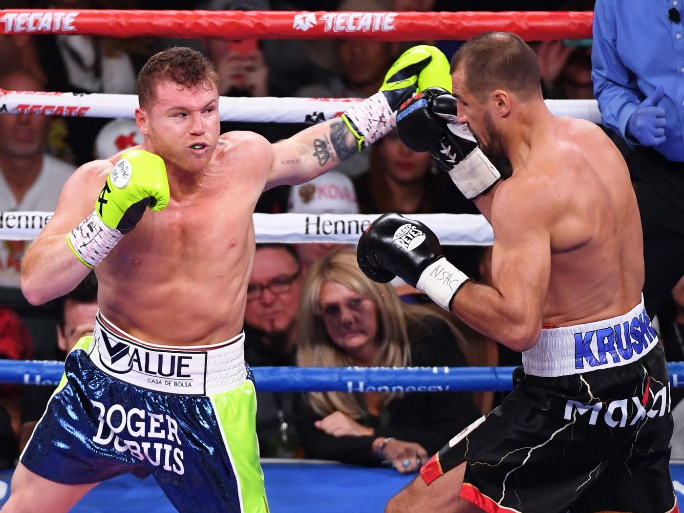 mgm betting odds boxing between canelo