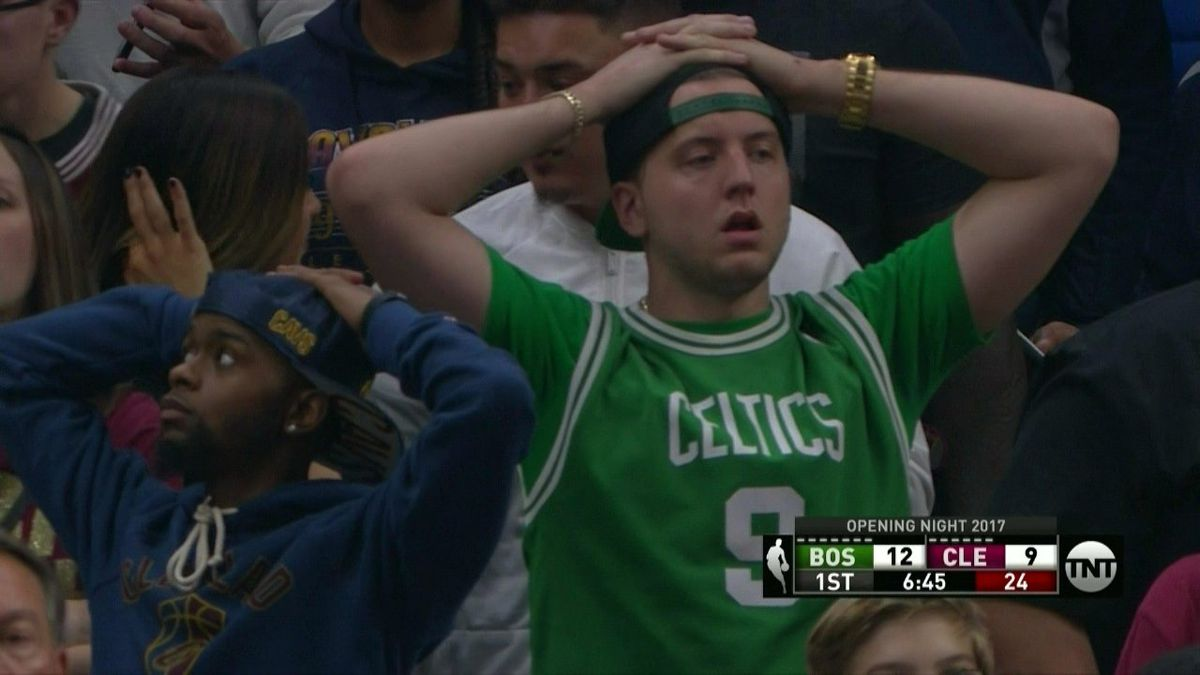 Celtics Gordon Hayward Suffers Horrific Ankle Injury In Season Opener Sbnation Com