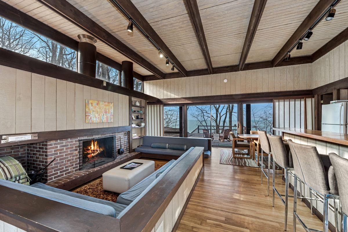 modern lake house with conversation pit wants 1 2m curbed