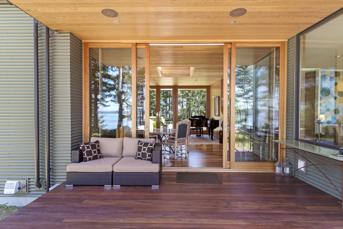 Everything is fairly new because the 3926 square foot house was built in 2011 materials are the modern combination of wood metal and vinyl choices that