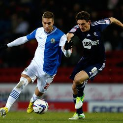 Ruben Rochina (L) of Blackburn in action with Keith Andrews of Bolton during the npower Championship match between Blackburn Rovers and Bolton Wanderers at Ewood Park on November 28, 2012 in Blackburn, England. (Photo by Paul Thomas/Getty Images)