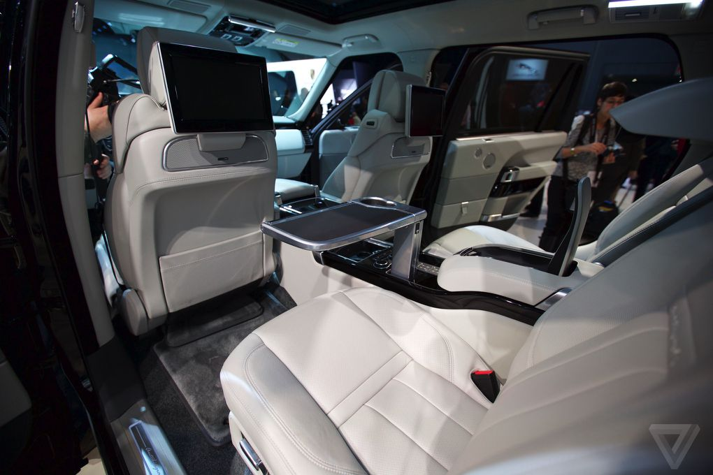 Range Rover Autobiography >> The Range Rover SV Autobiography is a ridiculously expensive tailgating SUV | The Verge