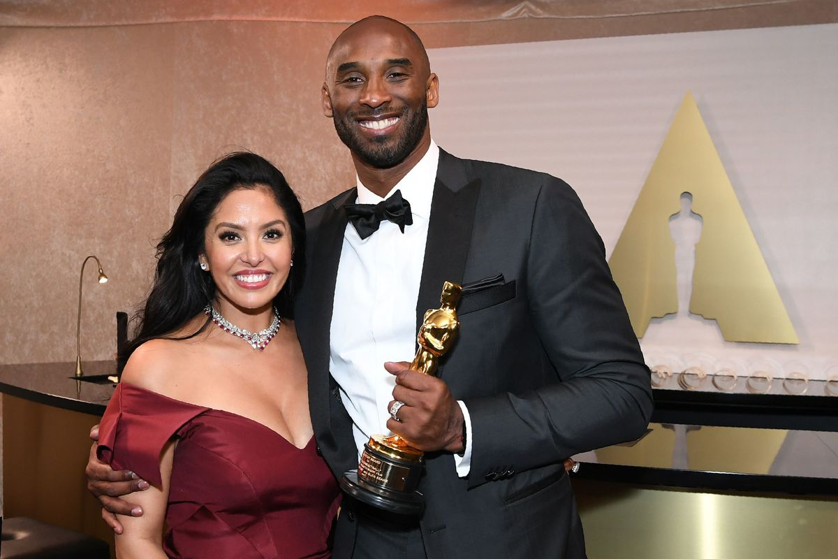 Kobe and Vanessa Bryant are pictured at the 2018 Academy Awards.