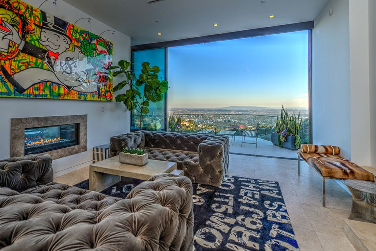 Minecraft Streamer Buys 45m Hollywood Home Not Far From