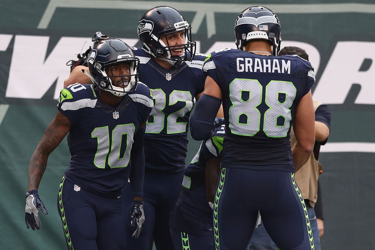 cdf6acb1802 Make the case: To re-sign Jimmy Graham or Paul Richardson - Field Gulls