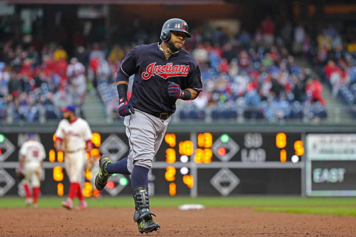 Philadelphia Phillies sign Carlos Santana