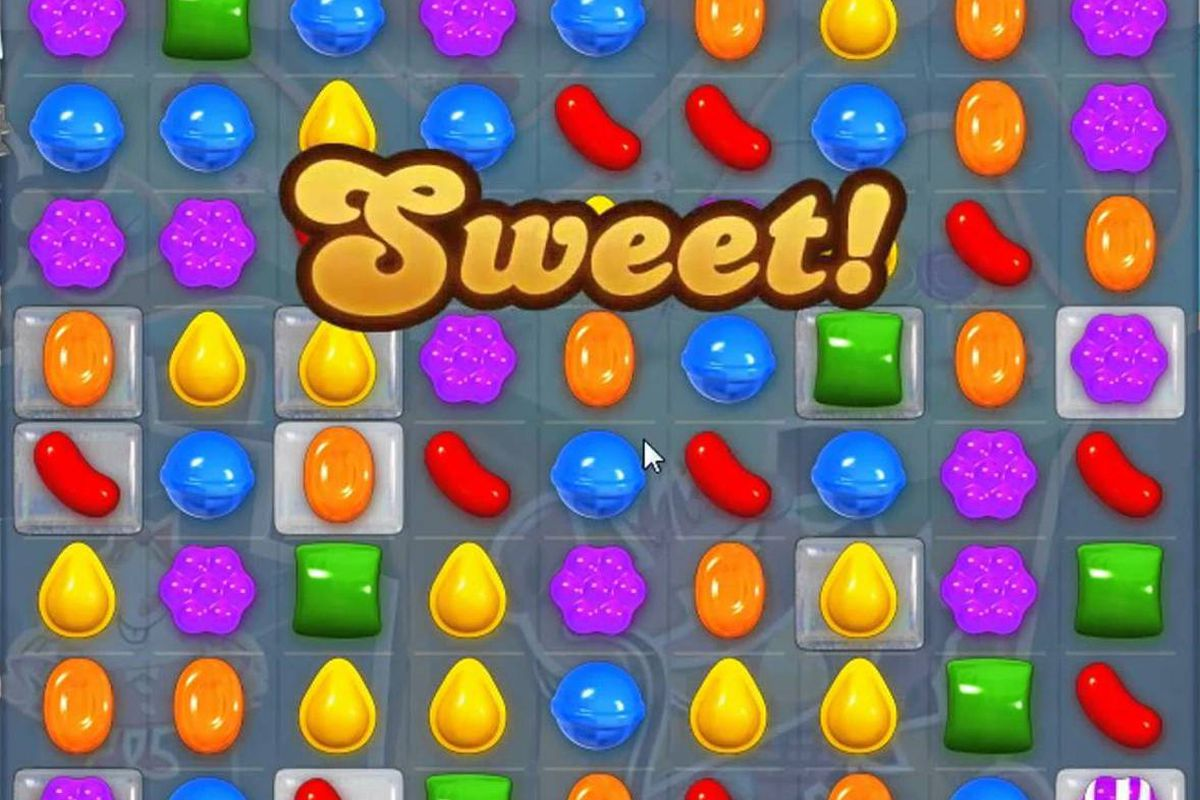 Candy Crush Saga, Clash of Clans Top Apple App Store Downloads, Sales