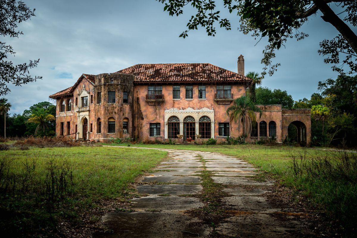 Florida Haunted House Can Be Yours For 480k Curbed Miami