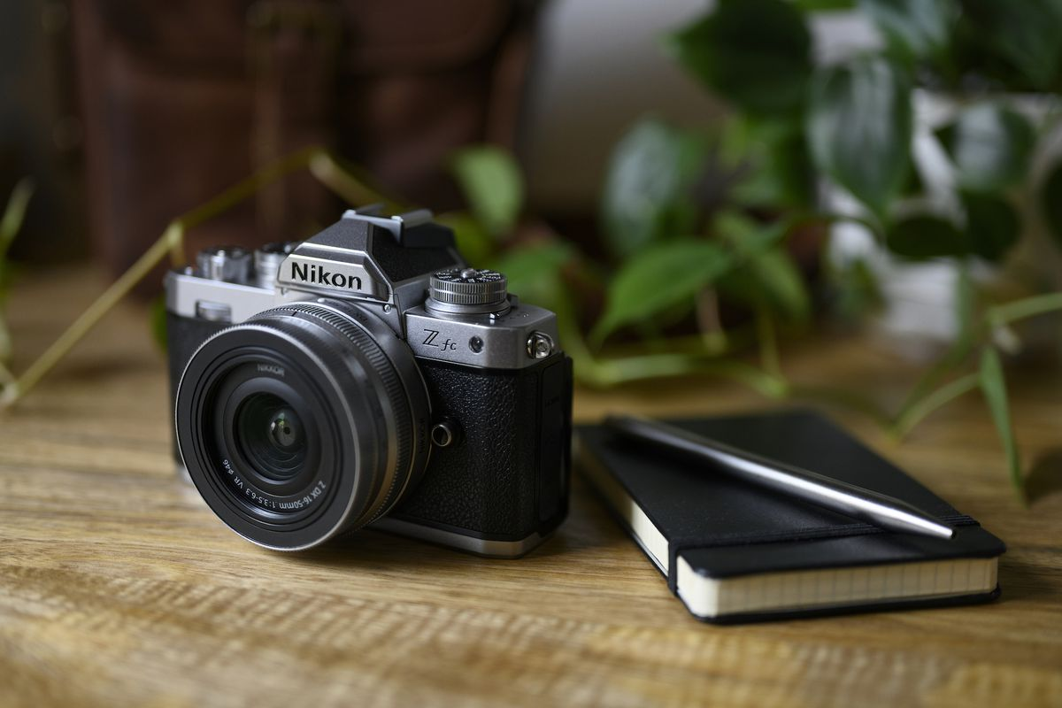 Nikon's Z FC is a film camera revival in mirrorless form - The Verge