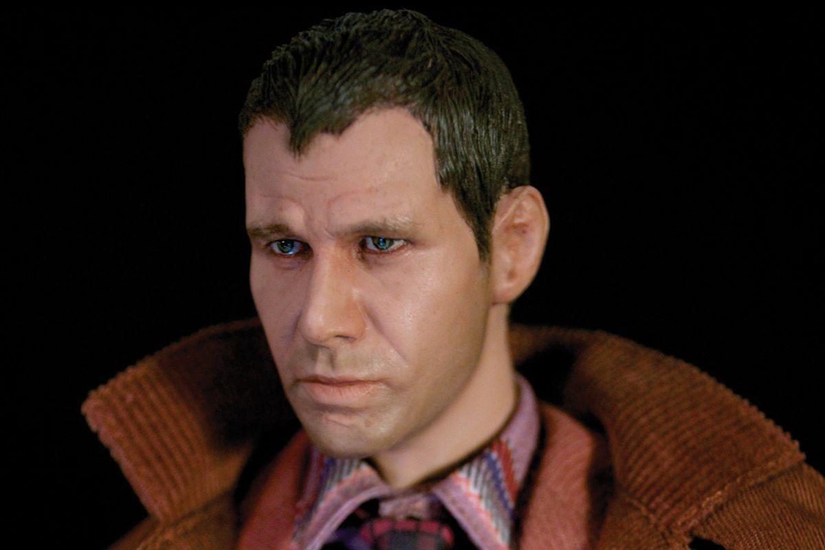 Blade Runner figure (GEEK MAGAZINE)