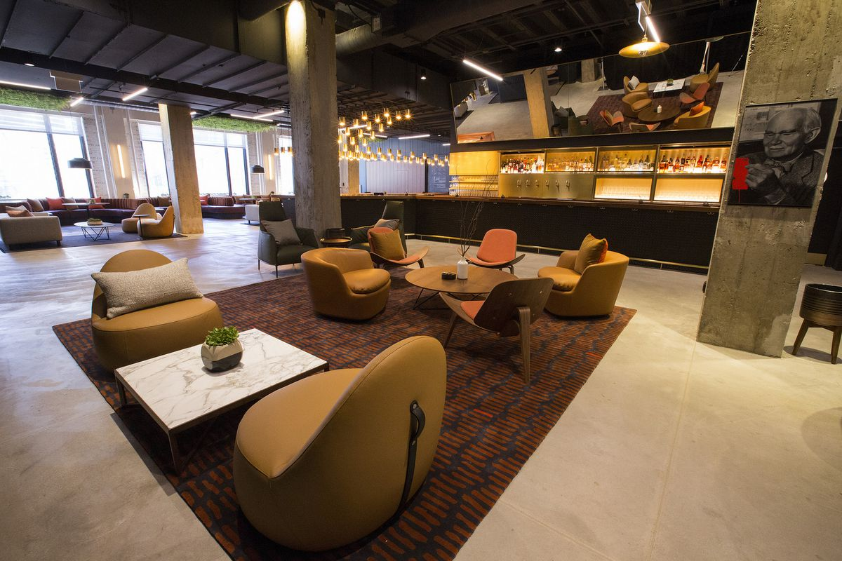 Inside The Merchandise Mart S Massive New All Day Cafe And