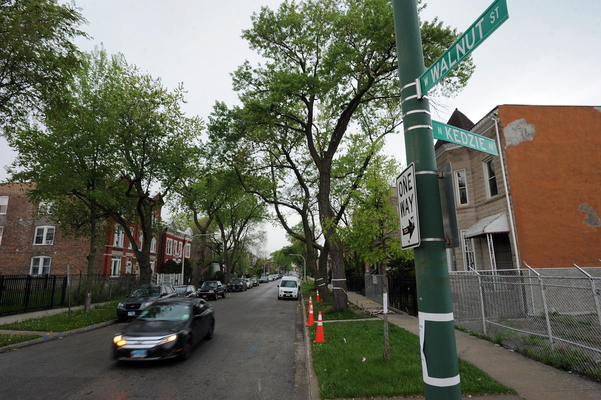 Street scene at beginning of the 3200 block of West Walnut Street in East Garfield Park, Chicago on May 16, 2019. This block has some of the highest price quotes for car insurance in the city out of more than 300 tests the Sun-Times ran in its investigati