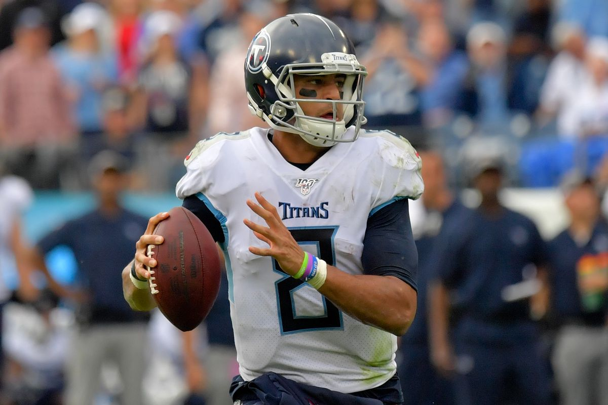 Tennessee Titans quarterback Marcus Mariota looks to pass against the Buffalo Bills during the second half at Nissan Stadium.