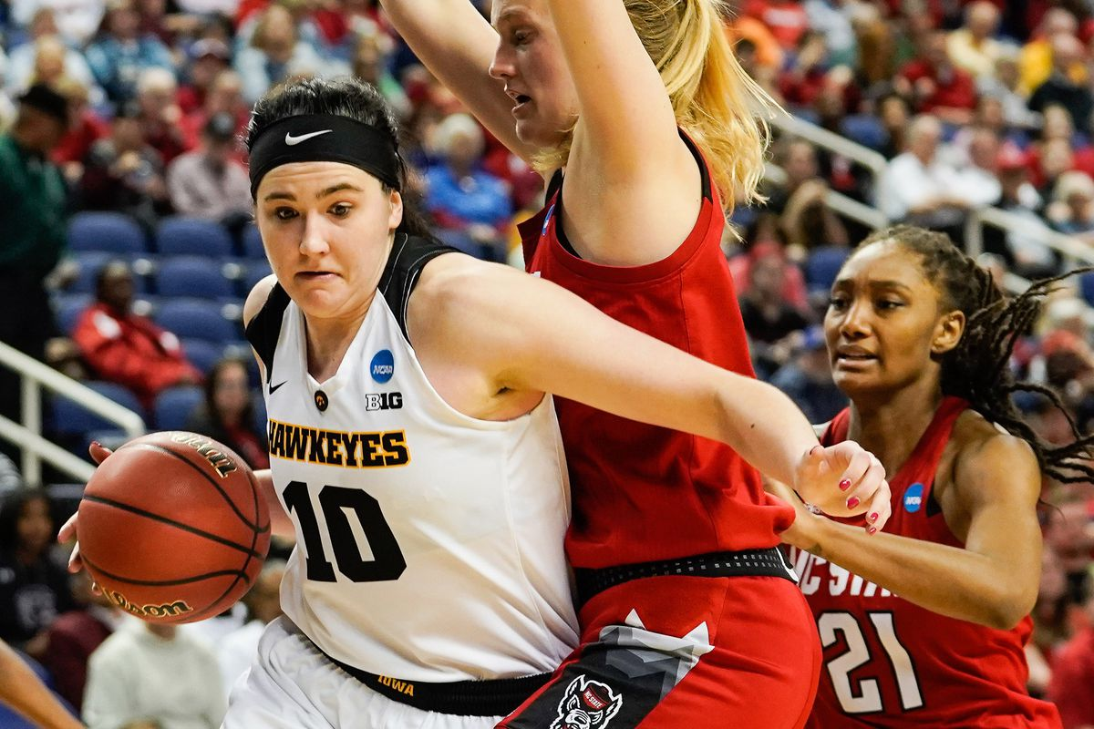 eae907d89877 Megan Gustafson led the Iowa Hawkeyes to their first Elite Eight since 1993  with a game-high 27 points and 12 rebounds. Jim Dedmon-USA TODAY Sports