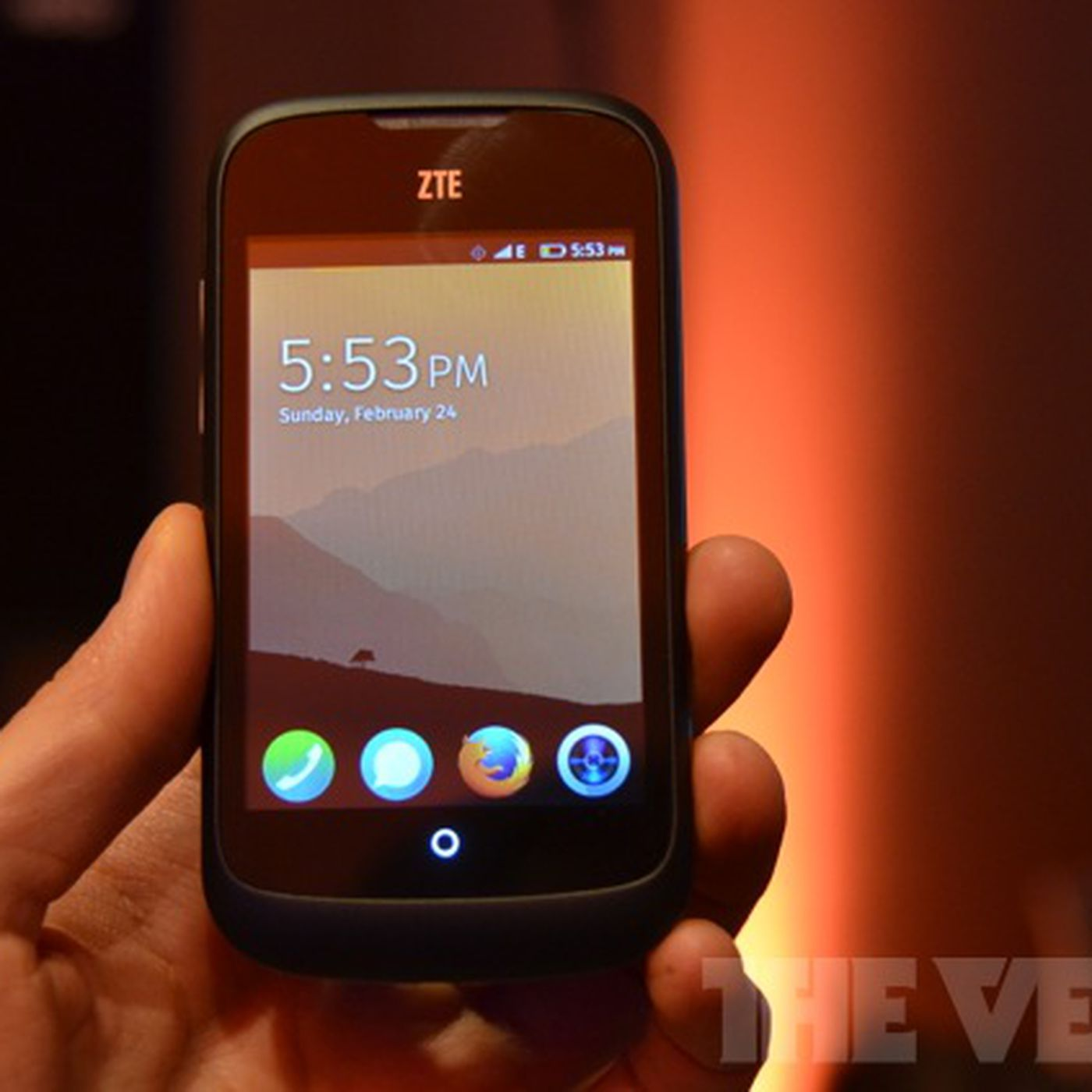 Zte Turns To Ebay To Sell Open Firefox Os Smartphone In The Us And Uk The Verge
