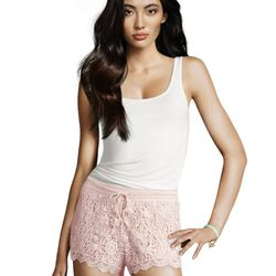 "<a href=""http://www.hm.com/us/product/01505?article=01505-A#&campaignType=K&shopOrigin=QL"">Lace shorts</a>, $24.95"
