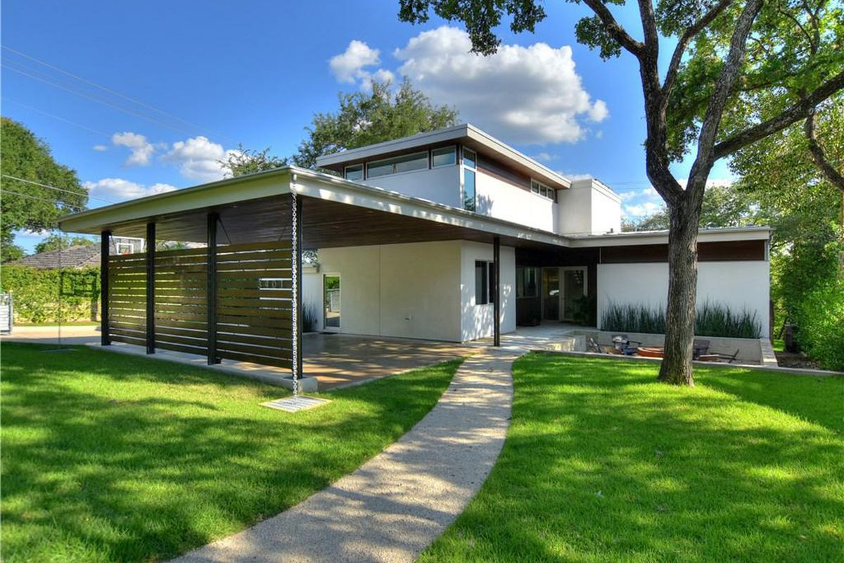 Tarrytown contemporary on lake austin asks 2 5m curbed for Modern houses for sale austin