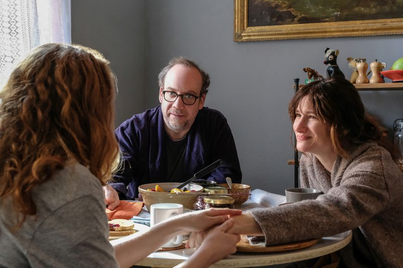 Kathryn Hahn, Kayli Carter, and Paul Giamatti in Private Life