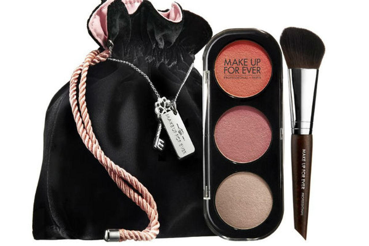 """Image <a href=""""http://www.styleite.com/beauty/make-up-for-ever-is-making-50-shades-of-grey-makeup-without-handcuffs/"""">via</a>"""