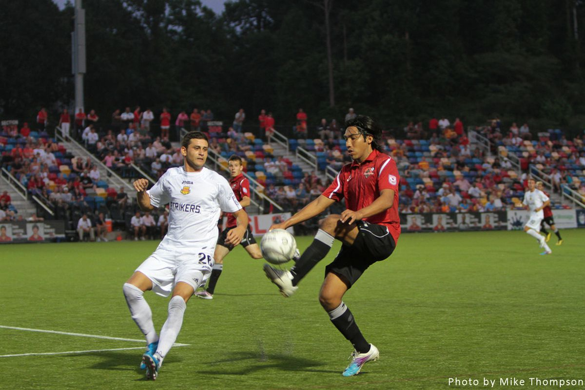 Atlanta Silverbacks defender Mario Perez competes against the Fort Lauderdale Strikers. Photo by Mike Thompson.