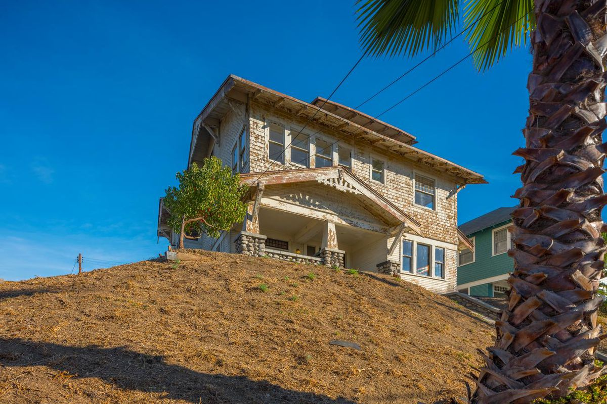 1911 Craftsman fixer lists for $1M in Highland Park - Curbed LA