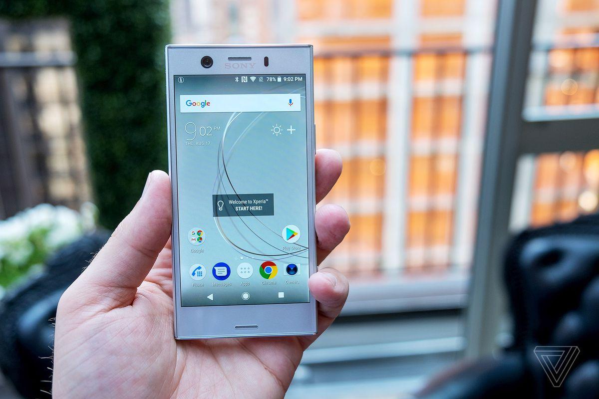 "Sony Xperia XZ1 Compact in ""white silver"""