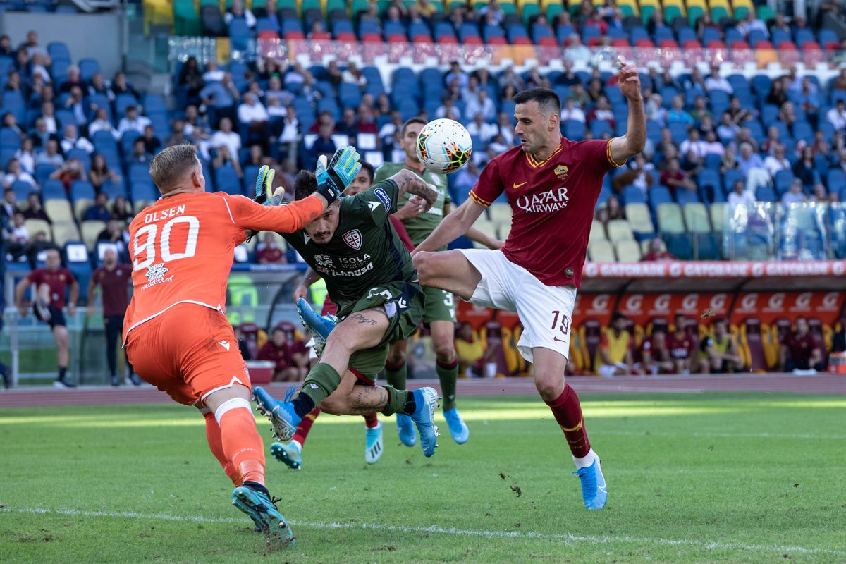Nikola Kalinic of AS Roma seen in action during the Serie A...