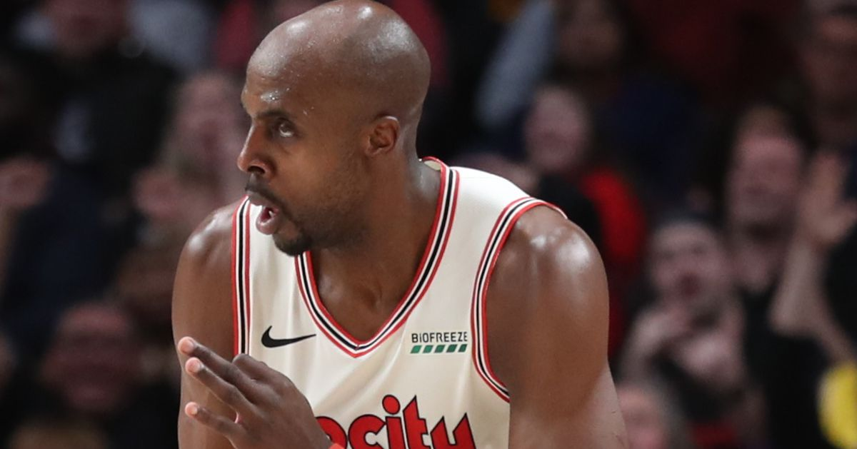 Anthony Tolliver Saves Trail Blazers in Victory Over Hornets