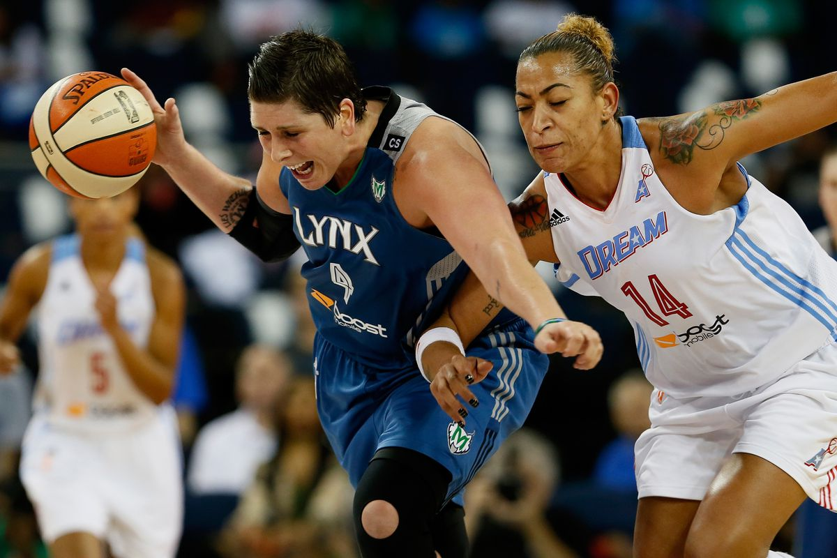 2013 WNBA Finals starters Janel McCarville (left) and Erika de Souza are two of the league's top unrestricted free agents.