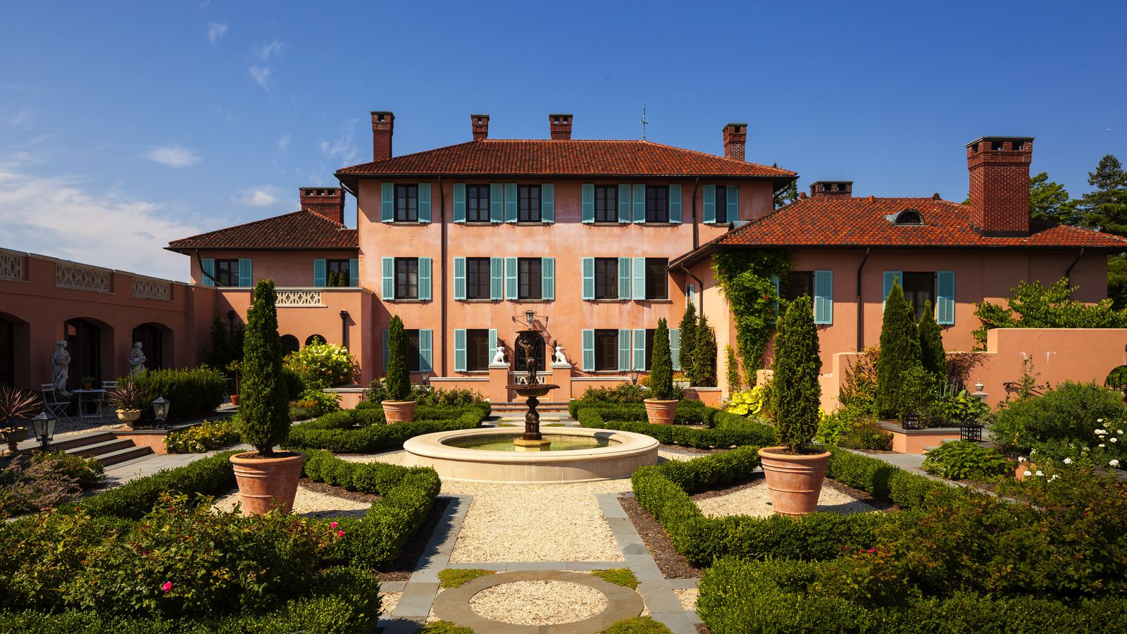 Luxury Mansions: How Two Neglected Mansions Became Leading Luxury Hotels