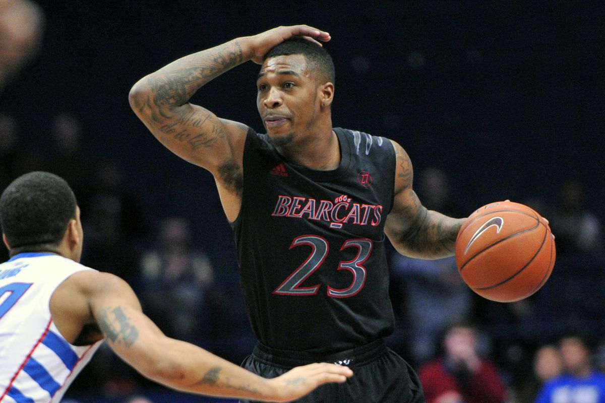"""Sean Kilpatrick raises the bar on """"Pat your head and rub your stomach at the same time."""""""