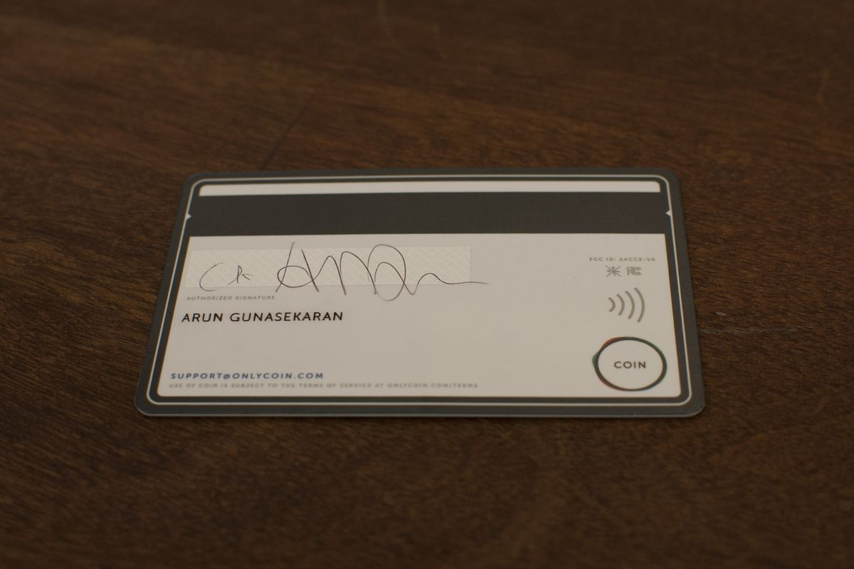 Coin starts shipping new version of its credit card device with NFC ...