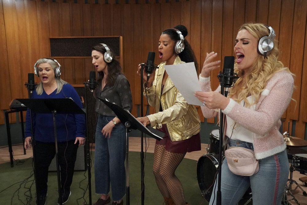 Paula Pell as Gloria, Sara Bareilles as Dawn, Renée Elise Goldsberry as Wickie, Busy Philipps as Summer singing in Girls5Eva