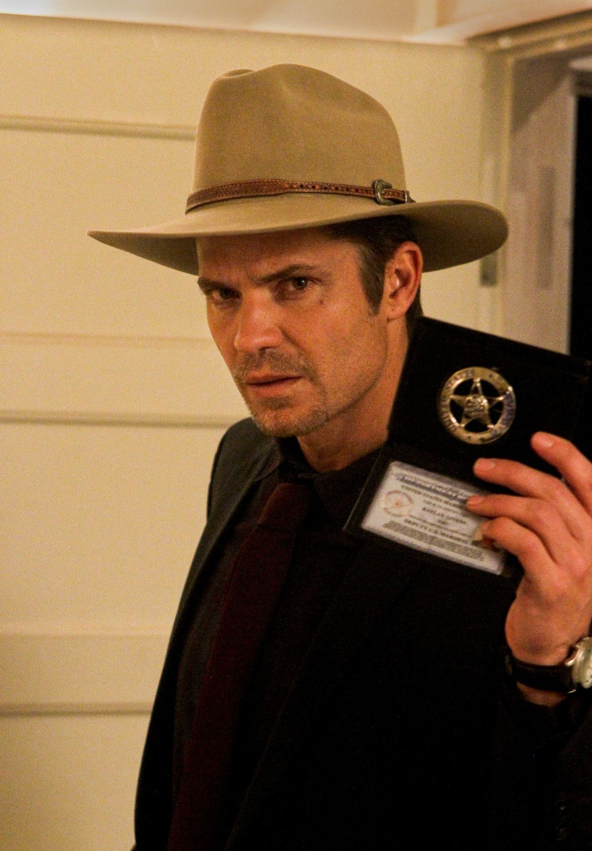 Timothy Olyphant plays Deputy US Marshall Raylan Givens on location on the set in Newhall of Justif