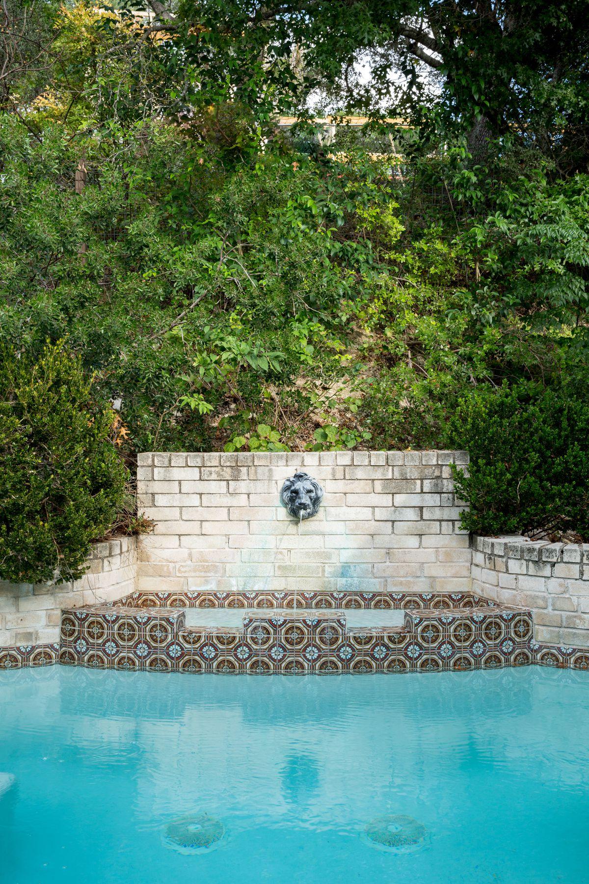 Austin Design Luminary Lists Residence For $799K