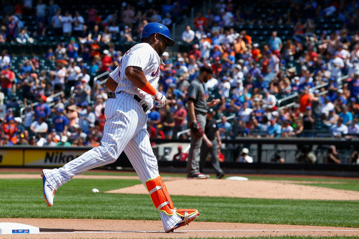 Mets star Cespedes hurts hamstring, could be done for season