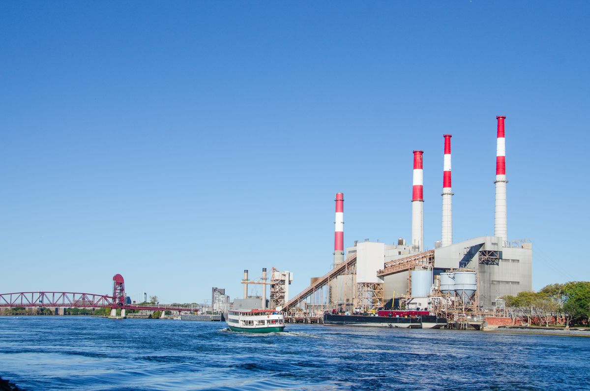 An electric power plant in Queens, New York. (Shutterstock)