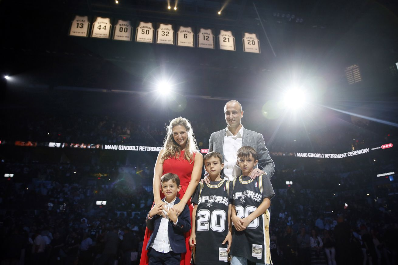 Manu Ginobili shows off his dad skills on the Jumbotron
