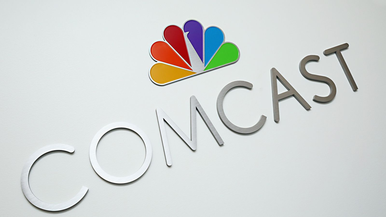 Comcast Internet Deals >> Comcast reportedly planning streaming TV service just for its internet customers - The Verge