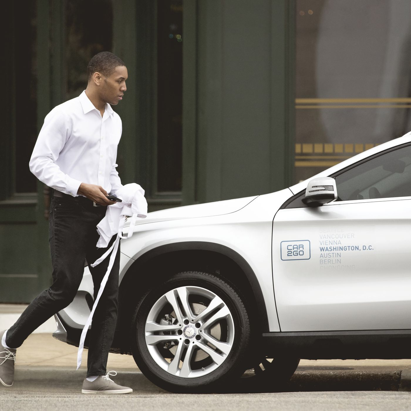 You can now reserve a luxury Mercedes Benz sedan with Car2Go in NYC